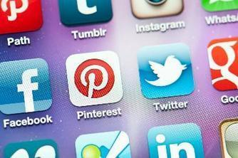 Social Media Influences Female Purchasing Decisions | SOCIAL MEDIA MARKETING TIPS | Scoop.it