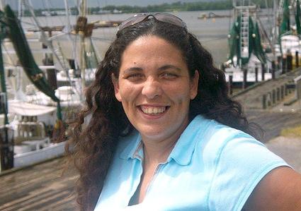 BREAKING: Wife of Gulf Coast Oilfield Worker Chains Herself to Keystone XL Pipeyard Gate | EcoWatch | Scoop.it