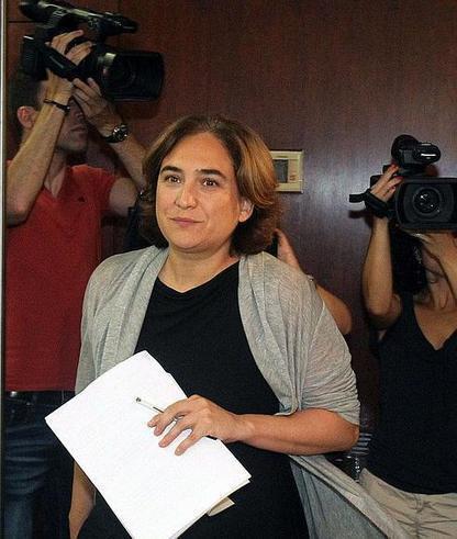 Ada Colau se fija el sueldo en 80.115 euros anuales, el doble de lo que dijo en campaña   Formación, tecnología y sociedad   Scoop.it
