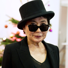 Yoko Ono Tweets Photo of John Lennon's Bloody Glasses in Plea for Gun Control | Tune Town Talk | Scoop.it