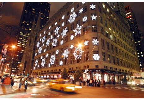 Saks Fifth Ave's 3D Holiday Window Façade   Advancements in Light, AR Tech (Advertising, Media)   Scoop.it