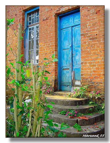 Brazilian doors   Havaianas Brazil culture   Scoop.it