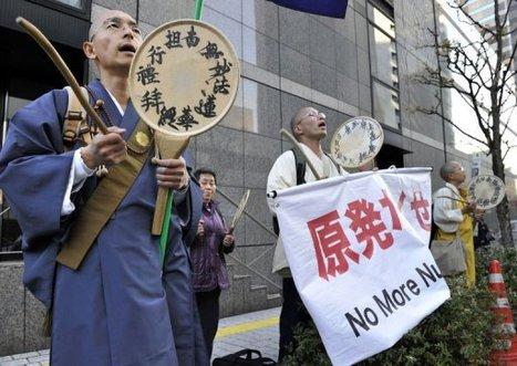 [Photo] Manifestation de moines boudhistes à Tokyo | TV5MONDE | Japon : séisme, tsunami & conséquences | Scoop.it
