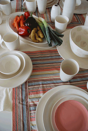 The beauty of white dinnerware | House Decorating | Scoop.it