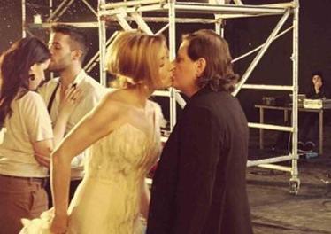Lara Fabian s'engage pour le mariage pour tous… en baiser ! | Mariage pour tous, art et culture | Scoop.it