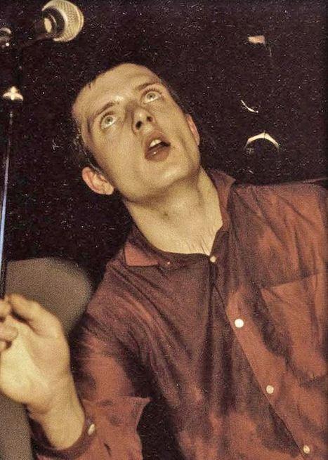 PHOTO: Ian Curtis - Joy Division | SongsSmiths | Scoop.it