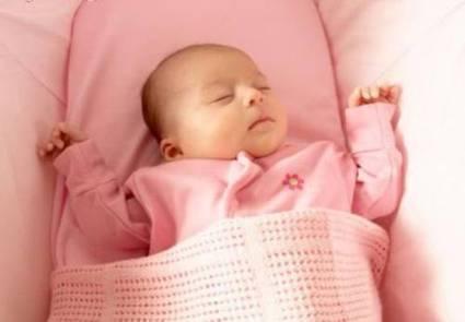 Sắm đồ sơ sinh mùa đông cho bé, quần áo bầu, váy bầu cho mẹ   bộ đồ sau sinh   Scoop.it