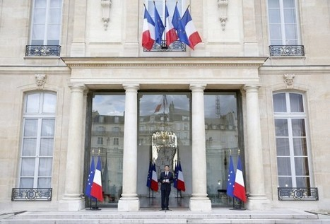 """French PM Valls to reorganise """"Islam"""" in France 