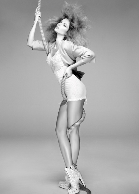 33 Provocative Black & White Fashion Photography | HybridLava | Xposed | Scoop.it
