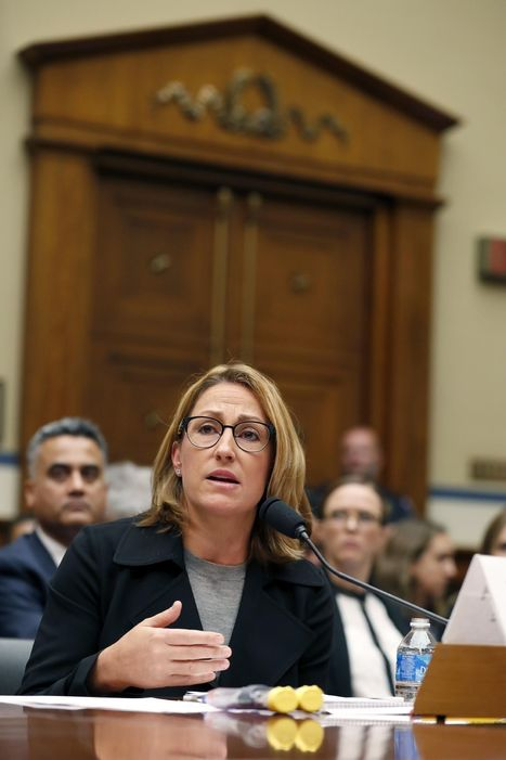 Mylan CEO infuriates lawmakers at hearing on EpiPen costs | Physician Articles, News, and Humor | Scoop.it