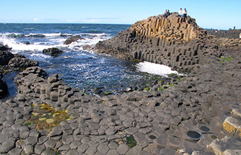 Physicists crack mystery of the spectacular hexagonal stones of the Giant's Causeway | Amazing Science | Scoop.it