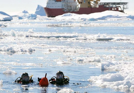 Divers From HMS Protector Practise Extreme Diving Skills in ... | ScubaObsessed | Scoop.it