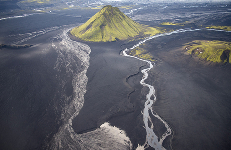 Aerial Photographs of Iceland by Andre Ermolaev | Volcanic Ash and its effects on planes | Scoop.it