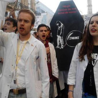 Les étudiants en médecine en colère : Onkelinx s'engage à les aider   Jeunesse et orientations politiques   Scoop.it