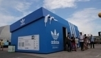 An Adidas Pop-Up Store That Looks Like A Giant Shoebox - DesignTAXI.com | Everything UK Retail ! | Scoop.it