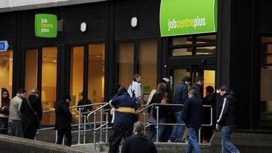 Youth jobs schemes 'not working' | Becket Economics | Scoop.it