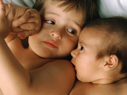 Celos entre hermanos cuando llega un bebé | Early education | Scoop.it