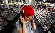Is it good that music downloads now outsell CDs? | the Gonzo Trap | Scoop.it