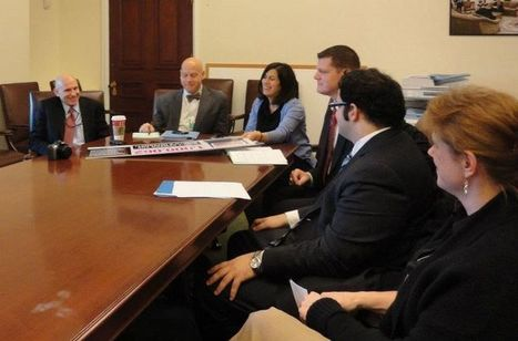 DEMAND PROGRESS DELIVERS PETITIONS TO WHITE HOUSE IP CZAR | Facebook | From the Sofa to #SOPA | Scoop.it