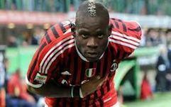 Super Mario met les supporters de l'AC Milan en feu | Coté Vestiaire - Blog sur le Sport Business | Scoop.it