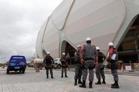 Mundial 2014 - 250 mil militares - Mundial-2014: Dilma destaca 250 mil militares para pacificar favelas do Rio | Maisfutebol.iol.pt | Copa Mundial 2014 | Scoop.it