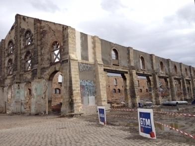 Pose de la première glycine pour les futures Archives municipales de Bordeaux - France Bleu | Nos Racines | Scoop.it