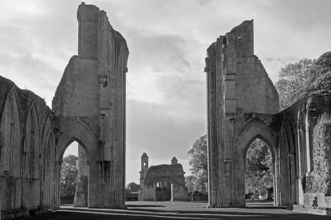 El Misterio de la Abadía de Glastonbury - La tumba del Rey Arturo | El Rey Arturo | Scoop.it