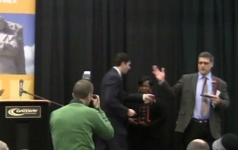 Wis. Teacher Refuses Award From Paul Ryan During MLK Ceremony: 'Lackey for the 1%' | Open Mind & Open Heart | Scoop.it