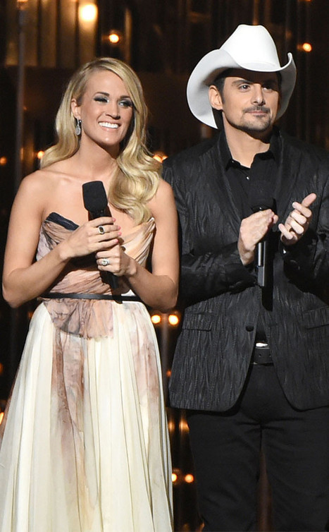 Carrie Underwood Shares Sloppy Kisses With Giggly Son Isaiah | Country Music Today | Scoop.it