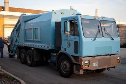 Bet Your EV Can't Do This: Electric Garbage Truck Hauls 9 Tons Of Trash | Digital Sustainability | Scoop.it