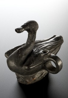 Feeding bottle in the shape of a swan, Roman, 199 BCE-500 CE | bain de Marie: Women and the roots of botanical chemistry | Scoop.it