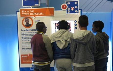 Rosny : une expo pour comprendre les dangers des réseaux sociaux | Quatrième lieu | Scoop.it