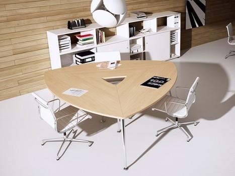 Dreieckiger Tisch SIRIO für Konferenzr&aum...
