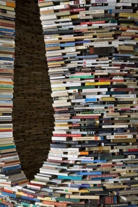 BONNES FEUILLES – 2 millions de dollars pour les droits d'un premier roman non terminé   Artistes de la Toile   Scoop.it