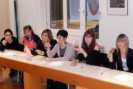Un panel d'amatrices crée le nouveau rosé de la cave de Gruissan (Aude)   Le vin et ses innovations   Scoop.it