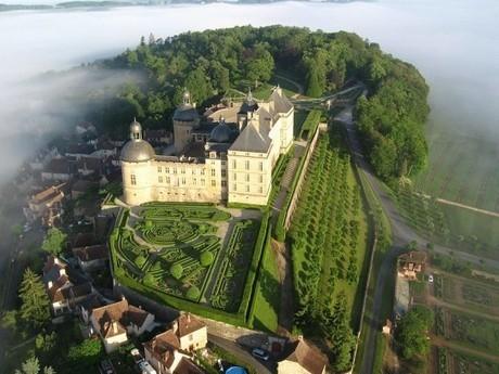 Le Château de Hautefort en Dordogne - Aquitaine Online | dordogne - perigord | Scoop.it