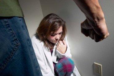 La violence faite aux femmes en légère baisse | National | Santé & BienÊtre des Femmes et Enfants du Monde. | Scoop.it