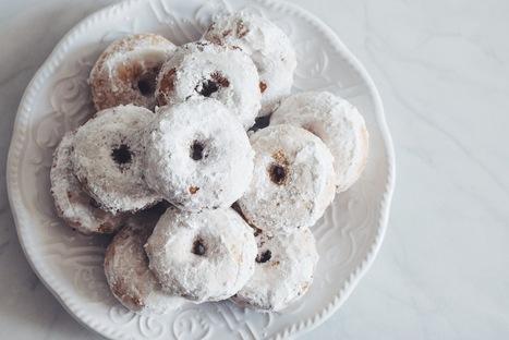 gluten-free mini powdered sugar doughnuts   ♨ Family & Food ♨   Scoop.it