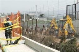 Israel begins building 33 ft high wall on Lebanon border | Ya Libnan ... | Israeli-Palestinian Conflict Geography | Scoop.it
