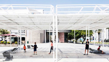 """Kinetic """"Cloud Seeding"""" pavilion creates shade with 30,000 tiny balls made of recycled plastic bottles 