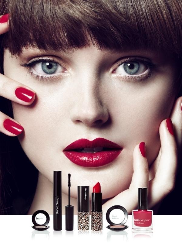 Online Makeup Store Scoop