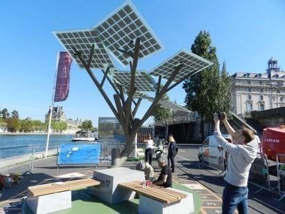 Mobilier urbain : l'arbre solaire connecté pousse à Paris | Développement durable en ville - initiatives urbaines | Scoop.it