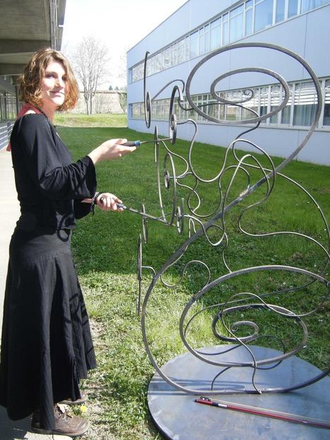 Instrument de musique contemporaine crée pour l'inauguration du kiosque de musique de Vichy en mai 2009. | DESARTSONNANTS - CRÉATION SONORE ET ENVIRONNEMENT - ENVIRONMENTAL SOUND ART - PAYSAGES ET ECOLOGIE SONORE | Scoop.it
