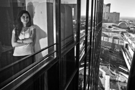 To photograph through the wall of the Franklin Tower | Photographer: Serge Bouvet | BLACK AND WHITE | Scoop.it