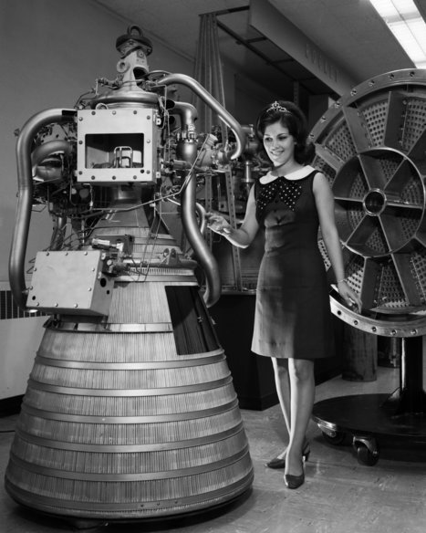Miss Nasa | Vintage, Robots, Photos, Pub, Années 50 | Scoop.it