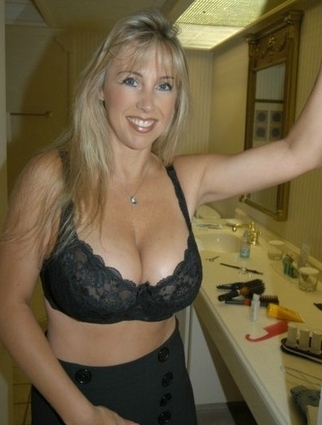 Mature Women Site 40