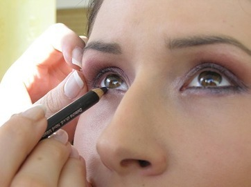 Emotional engagement drives up value of luxury cosmetics | BEAUTY + SOCIAL MEDIA | Scoop.it