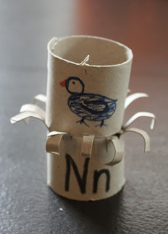 The Activity Mom: Toilet Paper Roll Alphabet Crafts - N is for Nest | Literacia no Jardim de Infância | Scoop.it