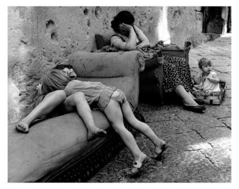 Sabine Weiss — Le monde de Sabine Weiss — Les Douches — La Galerie — 18 mai => 30 juillet | Photographie B&W | Scoop.it
