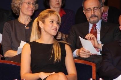 Shakira chante en français «Je l'aime à mourir» de Francis Cabrel! | LesNouvellesRSS.com | Bilingual News for Students | Scoop.it